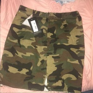 NWT camo mini skirt PLT